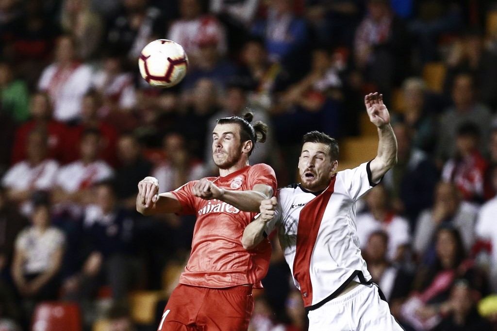 El Real Madrid se inclina en Vallecas y da casi por perdida la segunda plaza