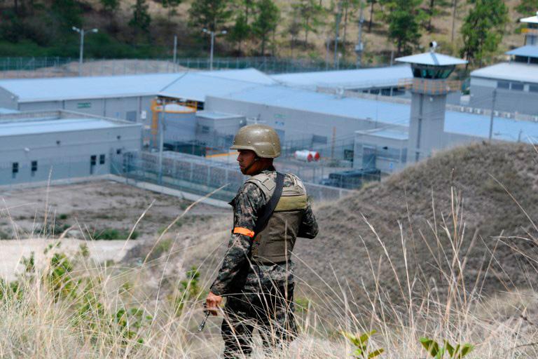 Dos presos muertos tras motines en dos cárceles de alta seguridad de Honduras