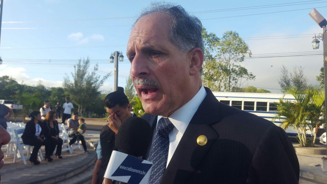 """Si """"Tito"""" Asfura lanza su precandidatura, deberá hacerlo de forma independiente para no arrastrar el odio del pueblo: Jorge Lobo"""