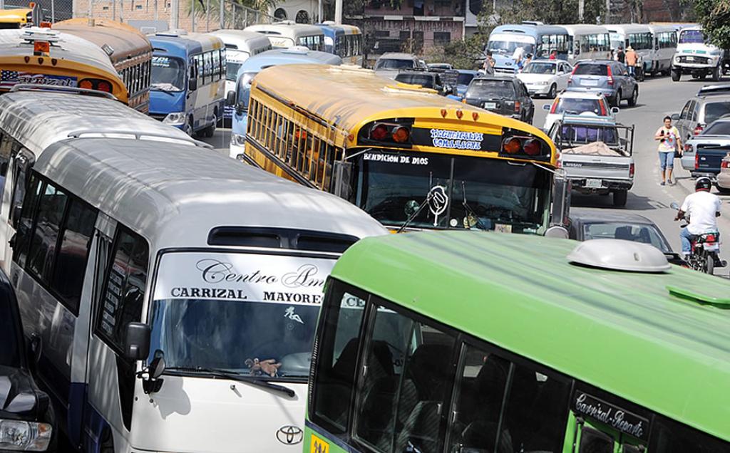 Prohíben uso de televisores y música en el transporte público de Honduras