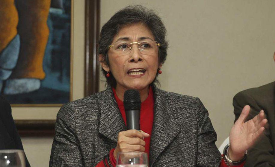 Abogada Espinoza dice deben deducir responsabilidades a funcionarios que elaboraron contratos con la EEH