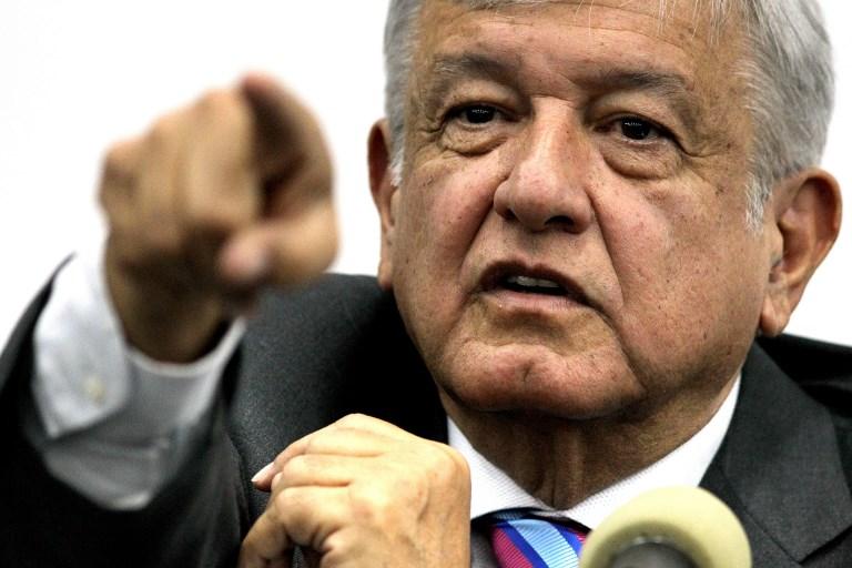 México inicia histórica alternancia con el izquierdista López Obrador