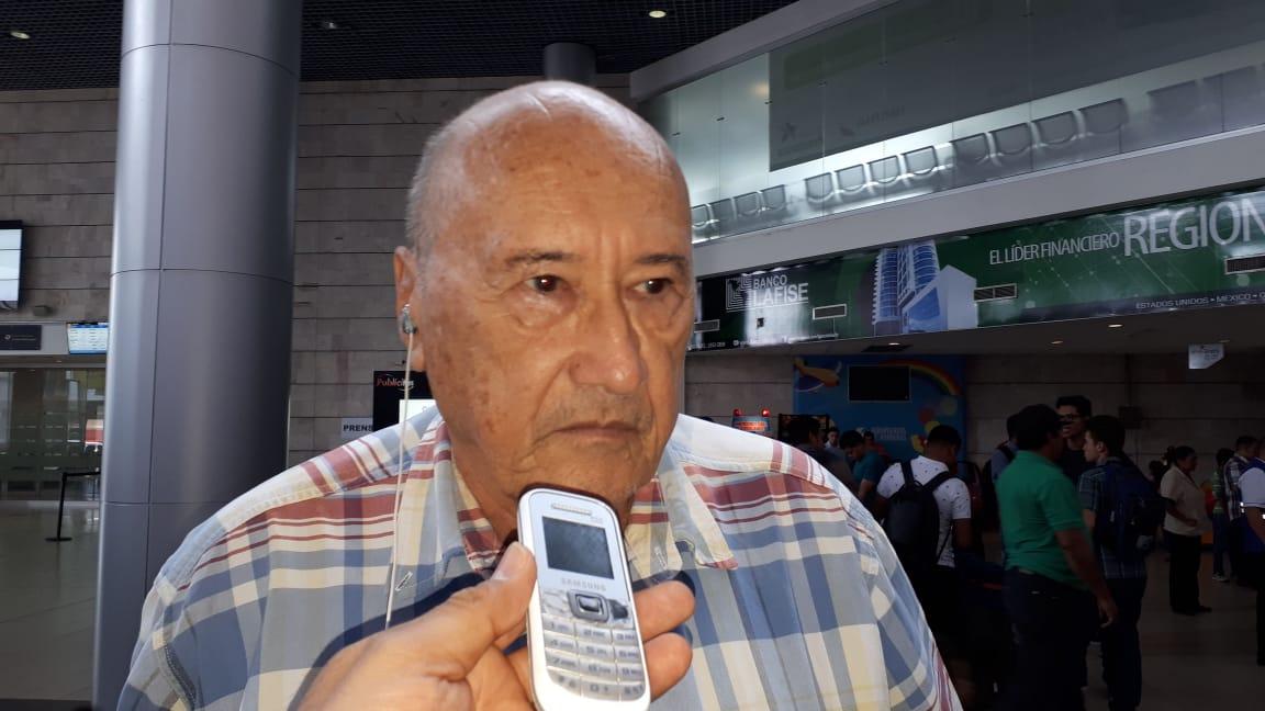 Carlos H. Reyes pide a todos los obreros marchar mañana sin importar las diferencias