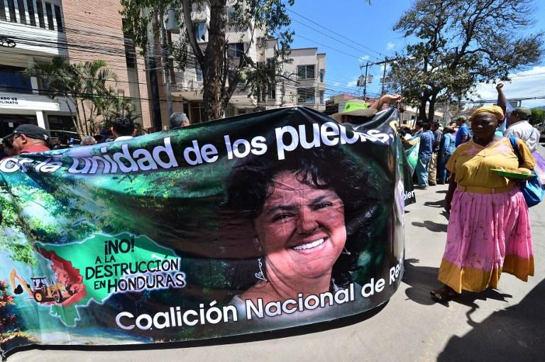 Hondureños exigen en manifestación libertad de ambientalistas presos por luchar contra minera