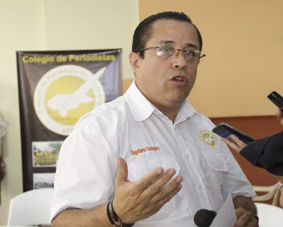 Presidente del CPH pide a manifestantes y policía respetar el trabajo de los periodistas