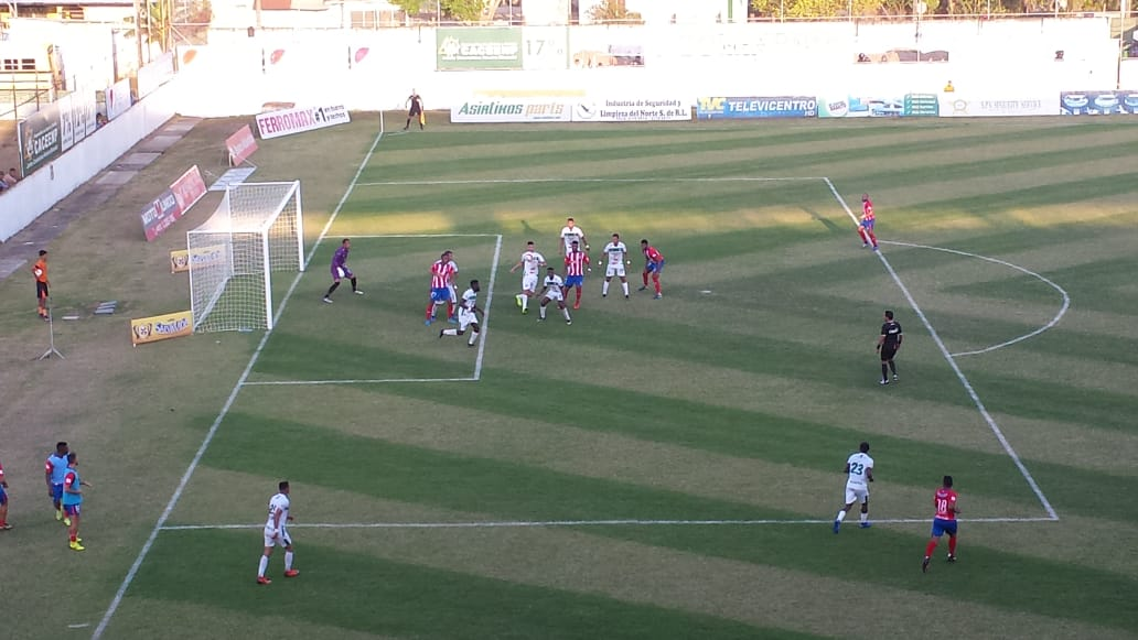 Olimpia en despedida de Edgar Álvarez derrota al Platense y Motagua golea a Lobos