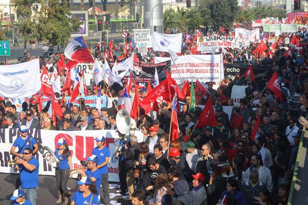 Analista cuestiona el irrespeto de derechos laborales a miles de trabajadores en Honduras