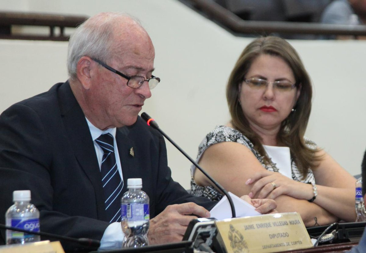 """Diputado Jaime Villegas: No hay razón para que exista un """"impase"""" entre Aduanas y MP para el desembarque de hospitales"""