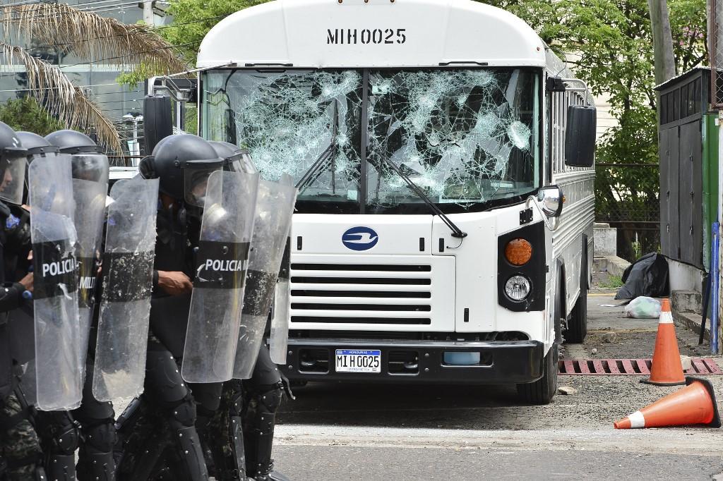 Dirigencia del transporte pide parar unidades para prevenir daños durante las protestas