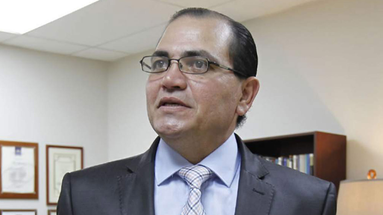 Alberto Solórzano anuncia envío de mas expedientes de miembros policiales que cometieron actos ilícitos