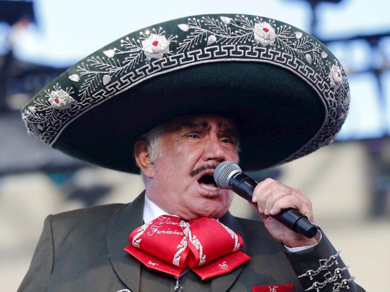 Vicente Fernández, Bad Bunny y Juanes entre los artistas que actuarán en los Latin Grammy