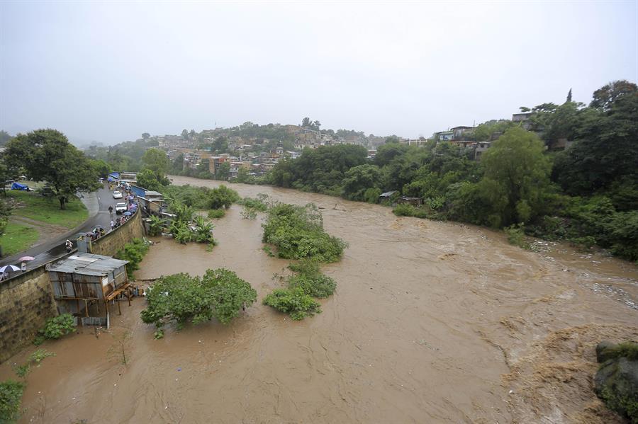 Crisis climática arrasa cultivos, ríos y ganado en empobrecida Centroamérica