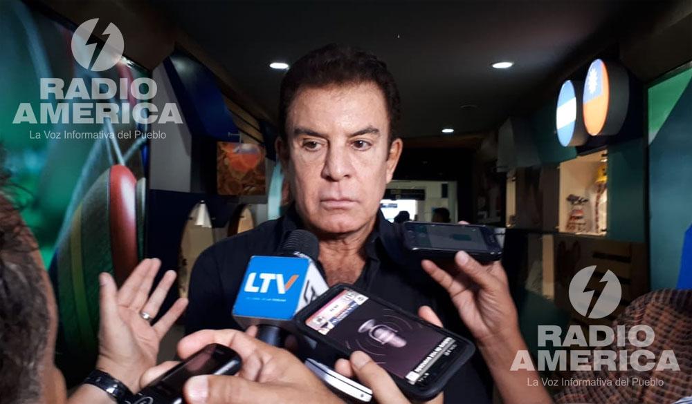 """Nasralla denuncia """"trama"""" del Gobierno para que el Congreso elija al presidente de la República"""