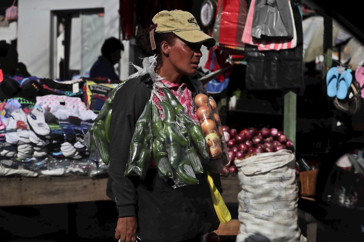 """En Honduras """"hay cerca de 2.8 millones de personas con problemas de empleo"""": Pierrefeu"""