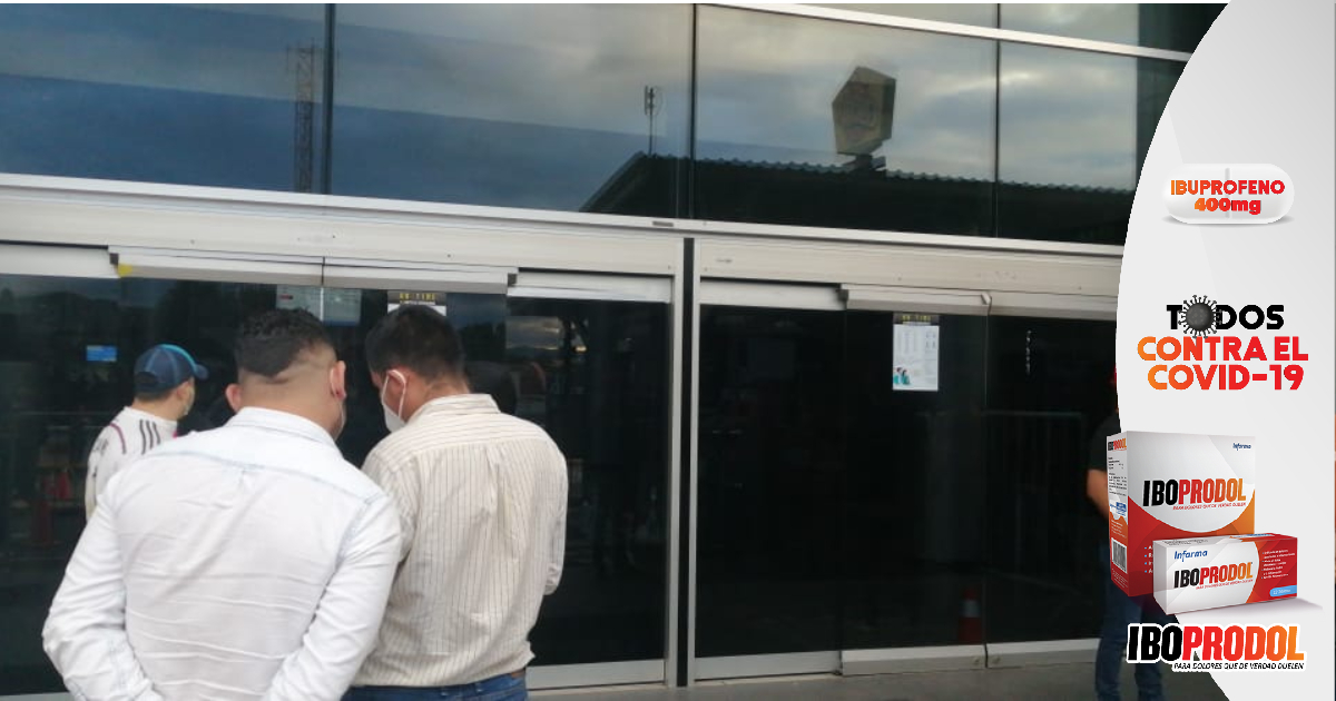 Bancada de Libre se moviliza hacia Tegucigalpa para solidarizarse con expresidente Zelaya retenido en el Toncontín