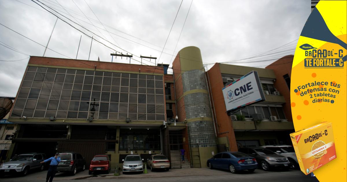 CNE ordena impresión de credenciales del Partido Nacional y Liberal, pendientes las de Libre