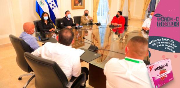 El Salvador anuncia que esta semana enviará 34 mil dosis de vacunas anticovid a Honduras