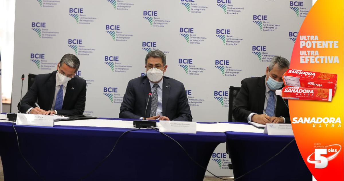 Gobierno y BCIE firman convenio de préstamo para ampliar abastecimiento de agua potable en Gracias, Lempira