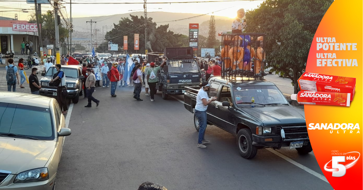 """Ciudadanos """"Indignados"""" protestan contra las ZEDEs, """"porque el territorio nacional y la soberanía no se vende y ni se regala"""""""